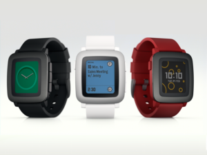 Pebble Time features a new color e-paper display and microphone for responding to notifications.